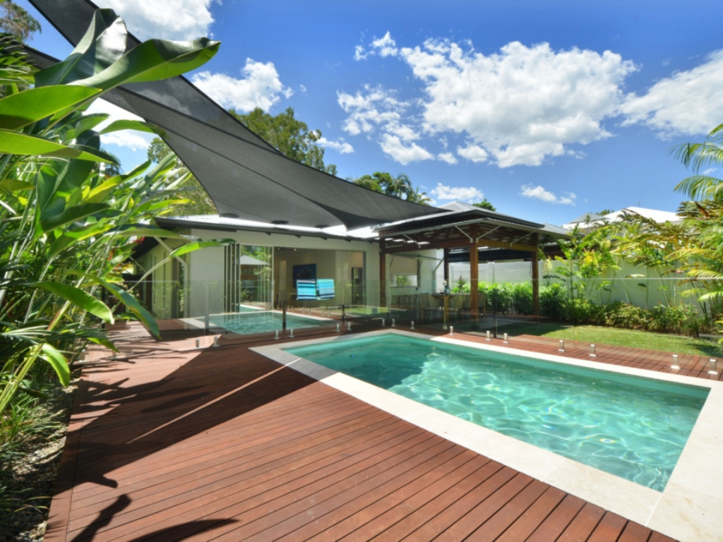 4+ Bedroom Villas & Homes